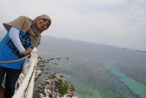 gw, Tepi pulau Lengkuas dari atas menara
